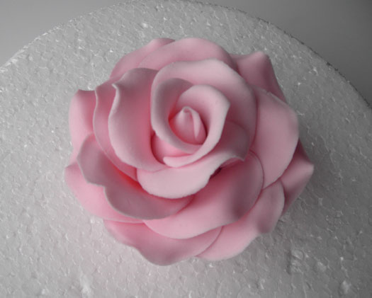 Edible Rose Petals For Wedding Cakes