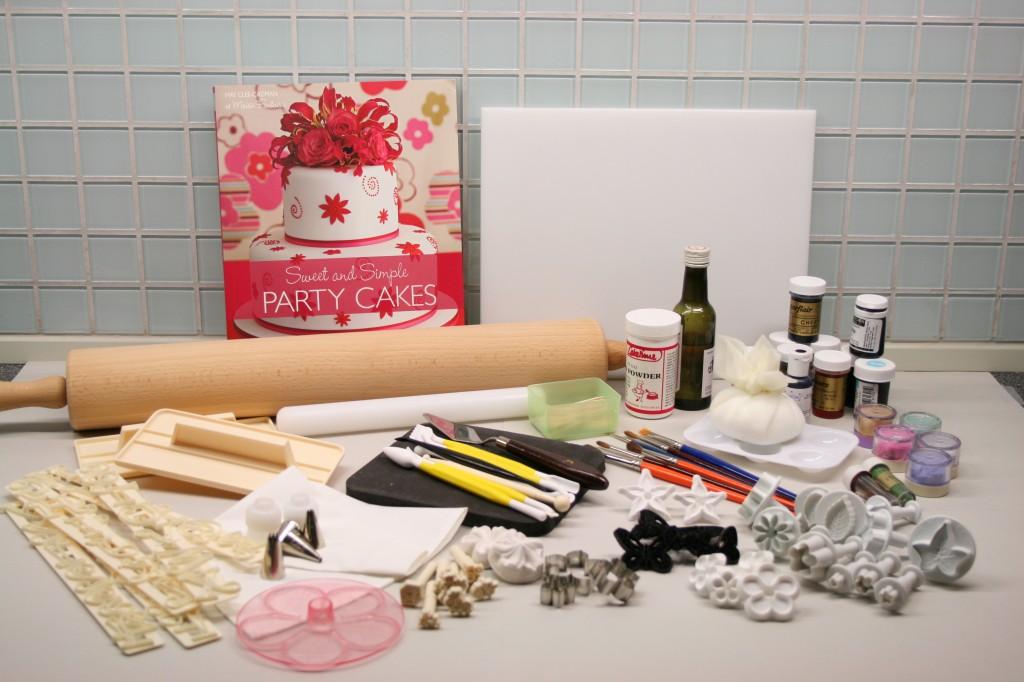 Basic cake decorating kit • CakeJournal.com