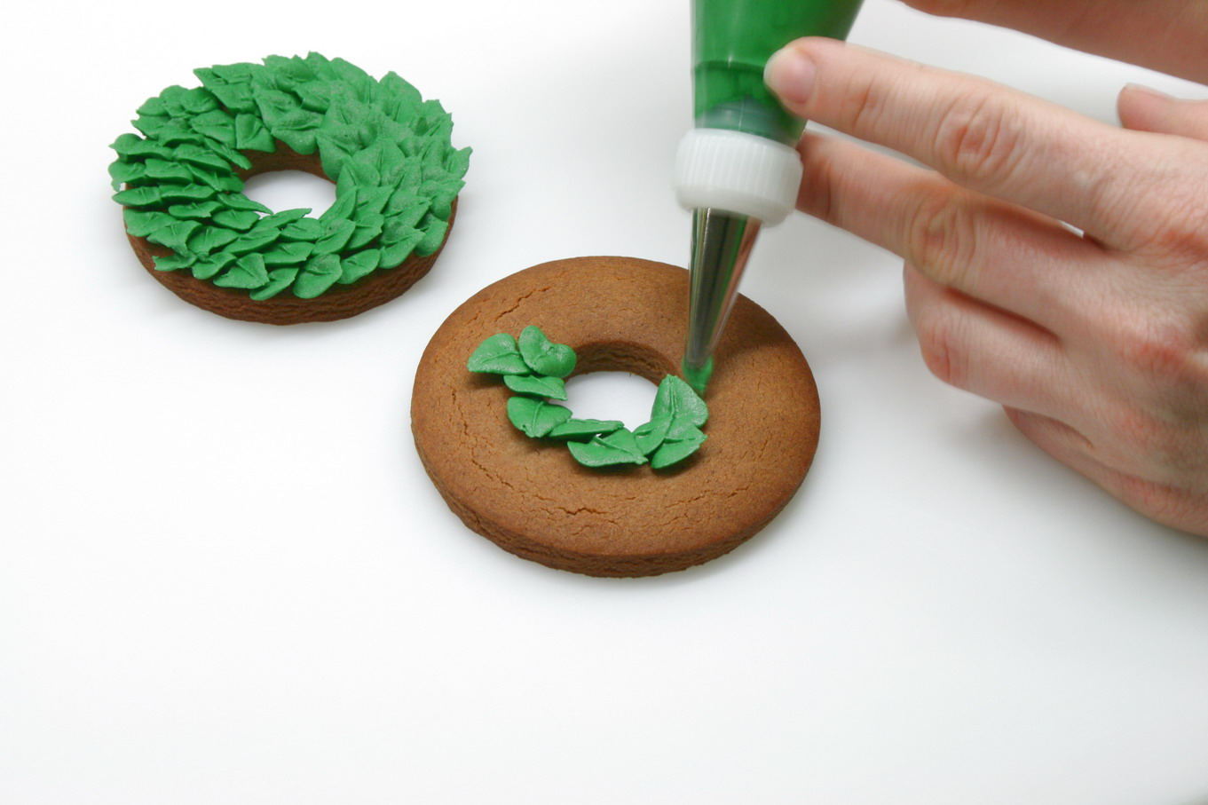 How To Make A Christmas Wreath Cookie Cakejournal Com