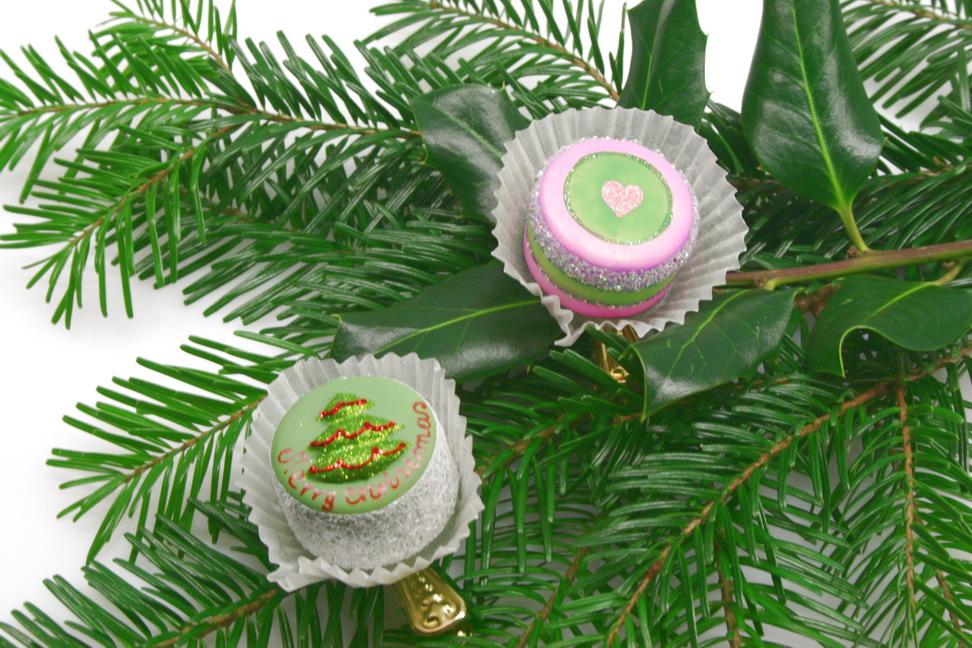 Cake ornaments