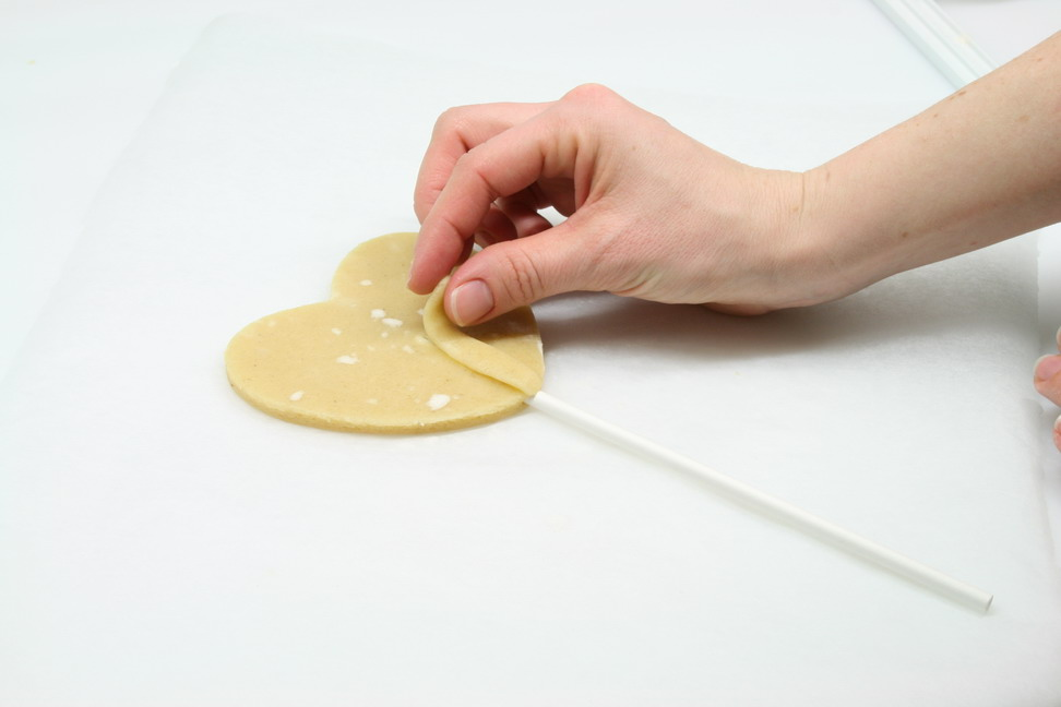 sealing the cookie stick