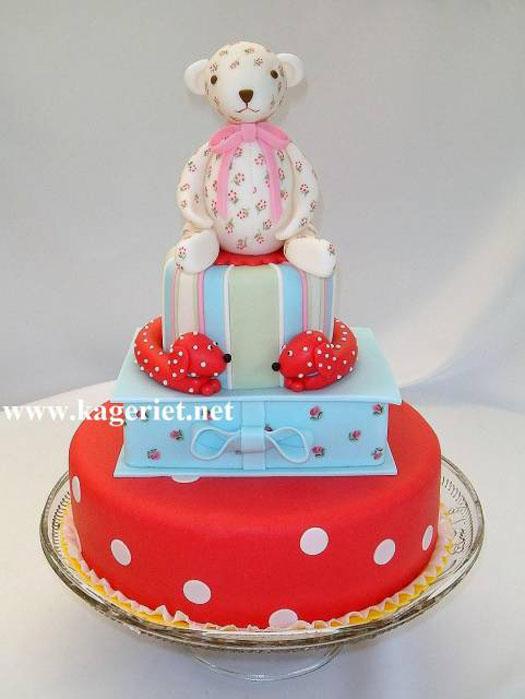 piamarianne-cath-kidston-cake