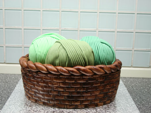 Knitting Basket Yarn : How to make a knitting basket cake cakejournal