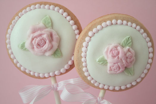 Rose fondant cookie lollipops