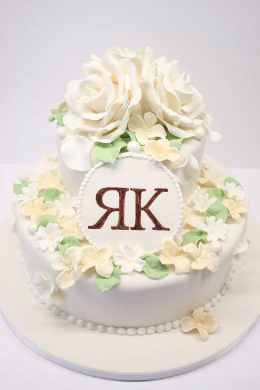 IMG_White RK weddingcake 1