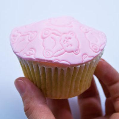 Cupcake decorating part 3