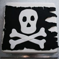 Pirate flag birthday cake