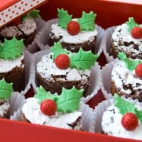 Christmas brownie bites with holly leaves