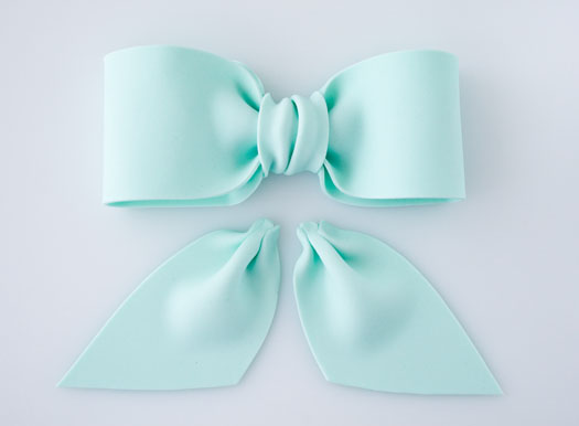 How to make a gum paste bow 12