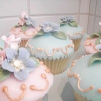 Cupcakes with poured fondant