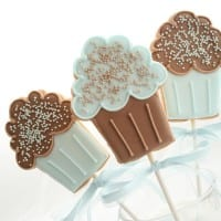 Cupcake cookie pops blue