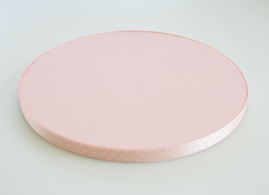Cake board with rolled fondant
