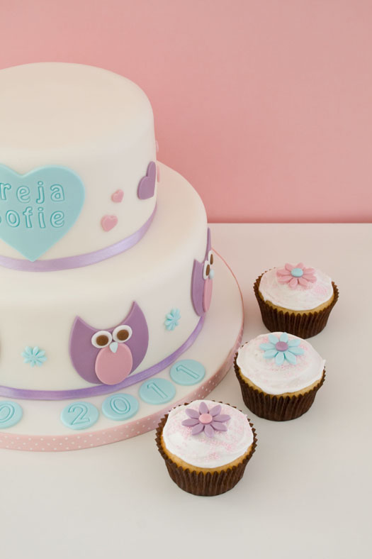 Cake with owls