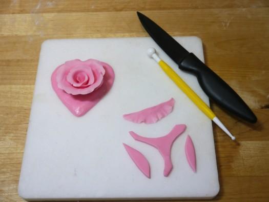 Ruffled rose heart step 9