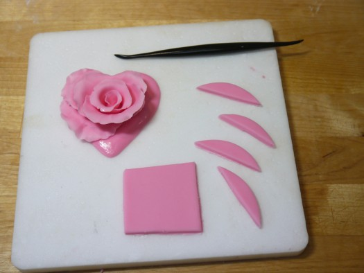 Ruffled rose heart step 11