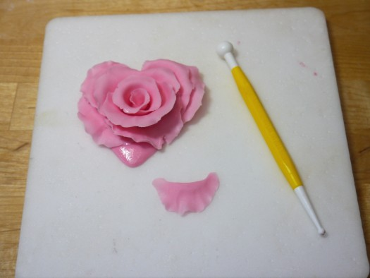 Ruffled rose heart step 12