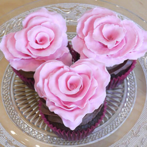 How to make a heart-shaped ruffled rose