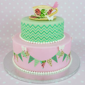 Decorate a cake with icing sheets