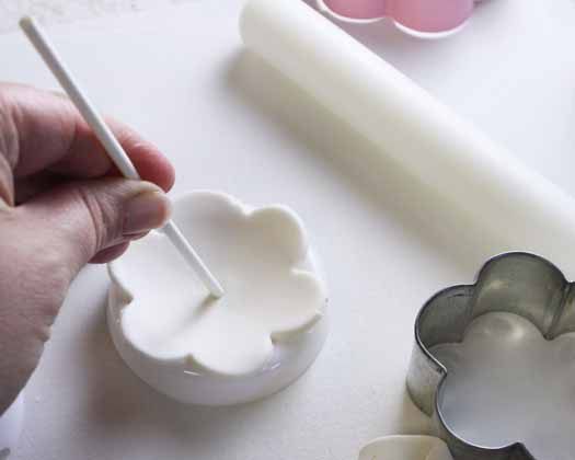 How to Make Spring Flowers Cake Pops 04