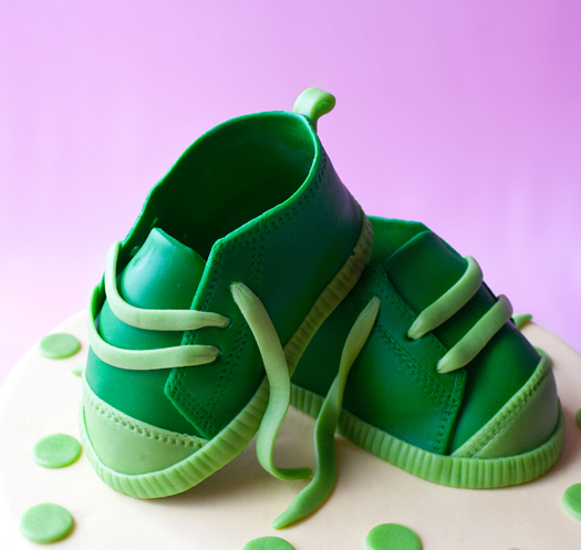 cake with fondant baby shoes 3