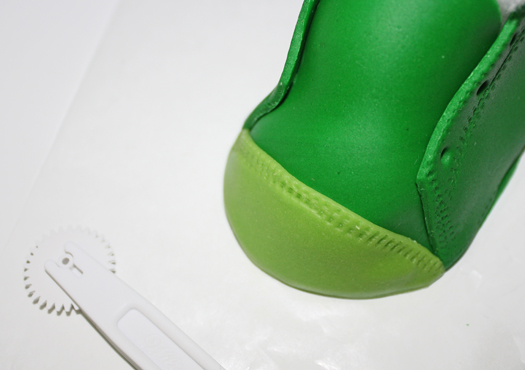 how to make fondant baby shoes 17