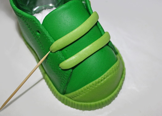 how to make fondant baby shoes 23