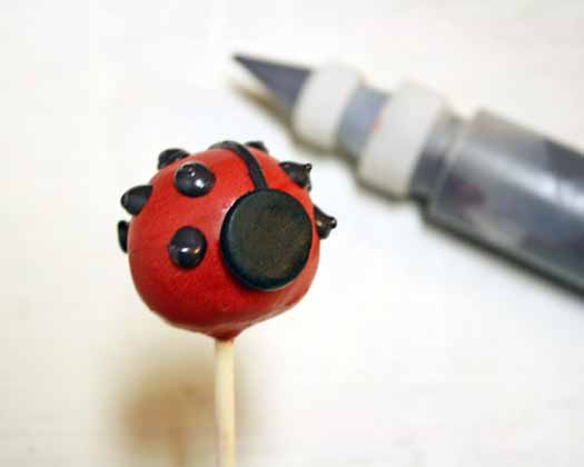 How to Make Ladybug Cake Pops 11