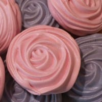 How to make rose meringues