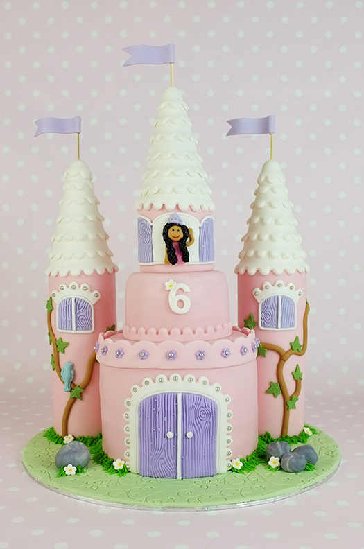 Amazing How To Make A Castle Cake Step By Step Tutorial With Pictures Funny Birthday Cards Online Alyptdamsfinfo