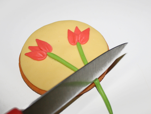 how to make tulip cookies or cupcake toppers 11