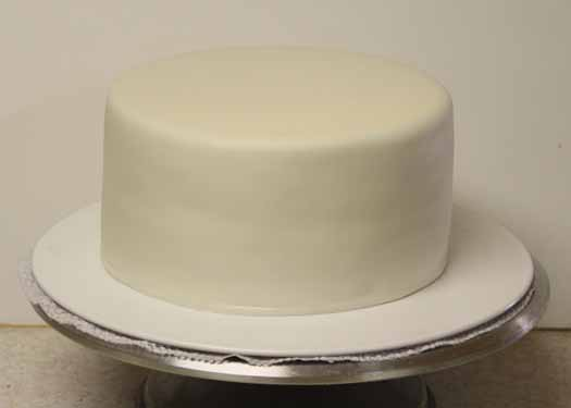Cake covered in fondant