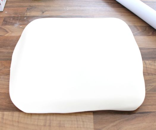 rolled fondant over cake board