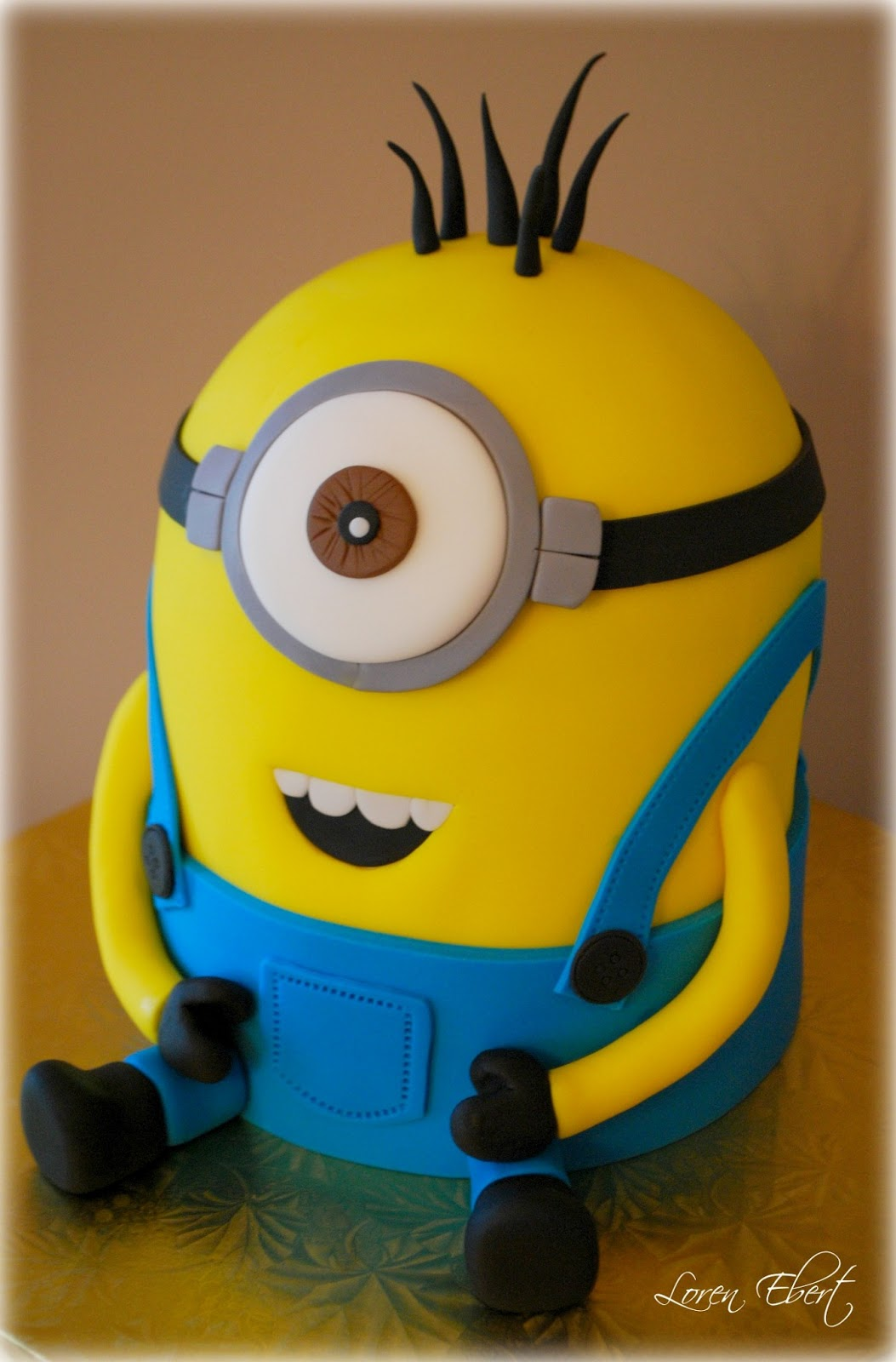 Despicable Me Cake by Loren Ebert   CakeJournal.com