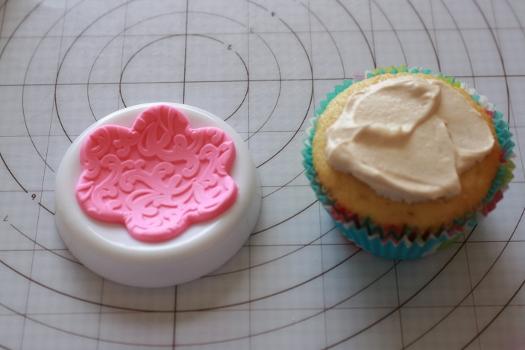 dress cupcake13