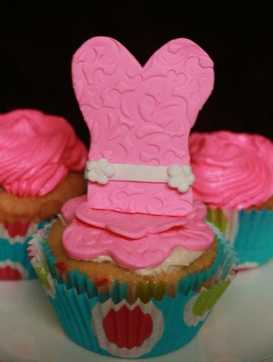 dress cupcake15