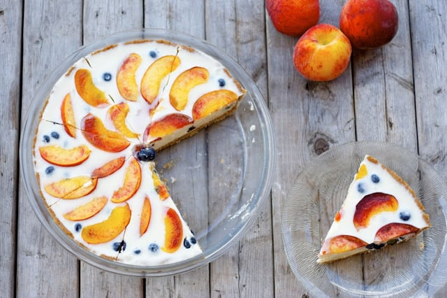 Blueberry Peach Yogurt Pie