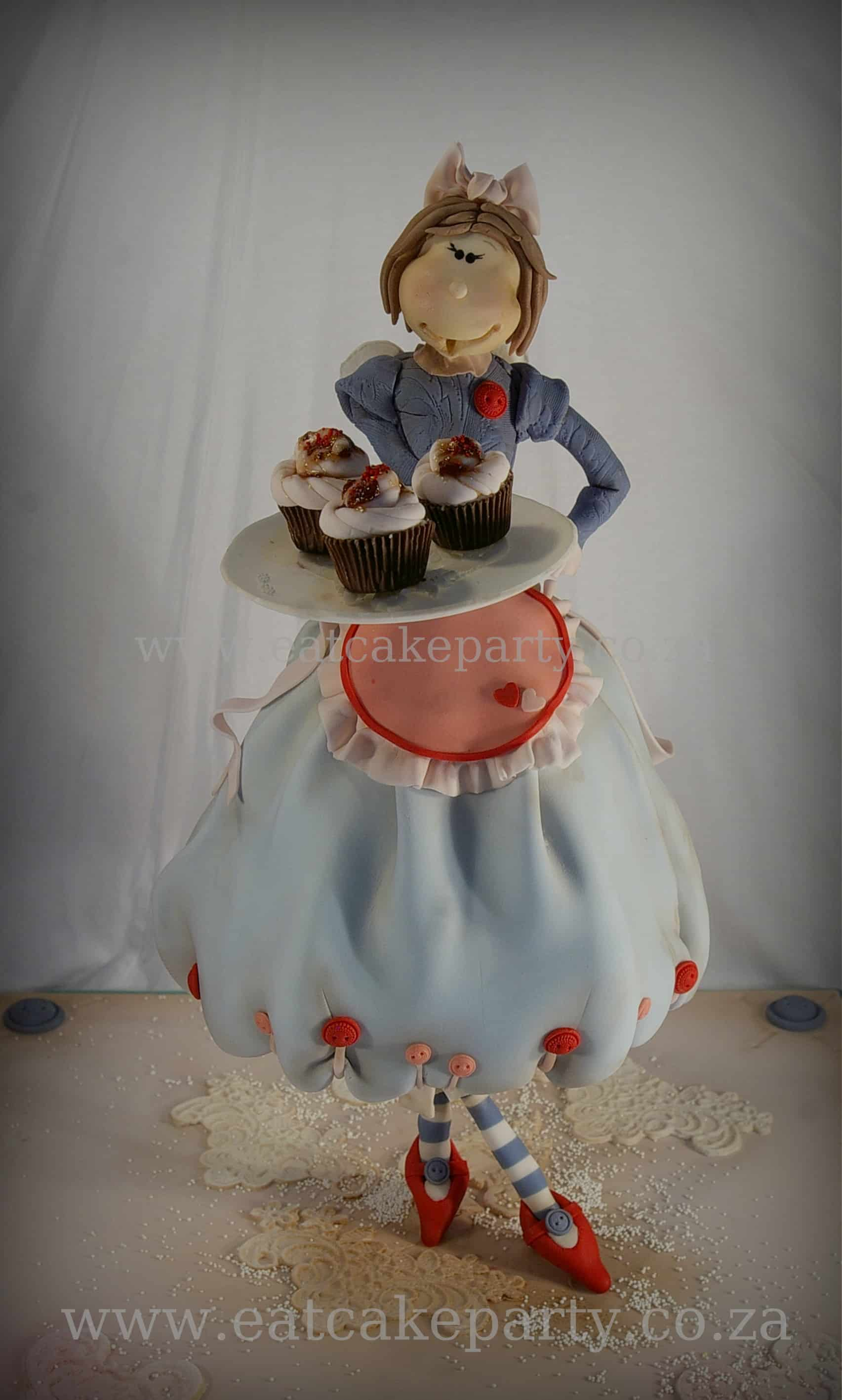 #FondantFriday – Hope's Cupcake Fairy Cake