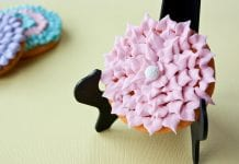 daisy cookie with royal icing