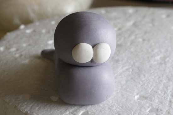 How to Make a Fondant Seal 10