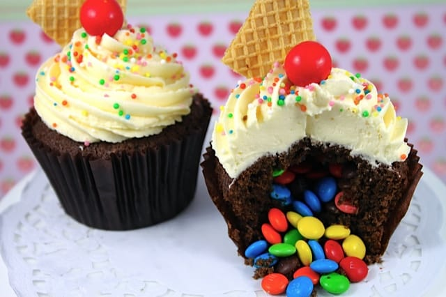 Tutorial: Surprise Pinata Cupcakes!