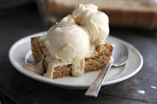 blondie-sundaes-maple-sauce-5