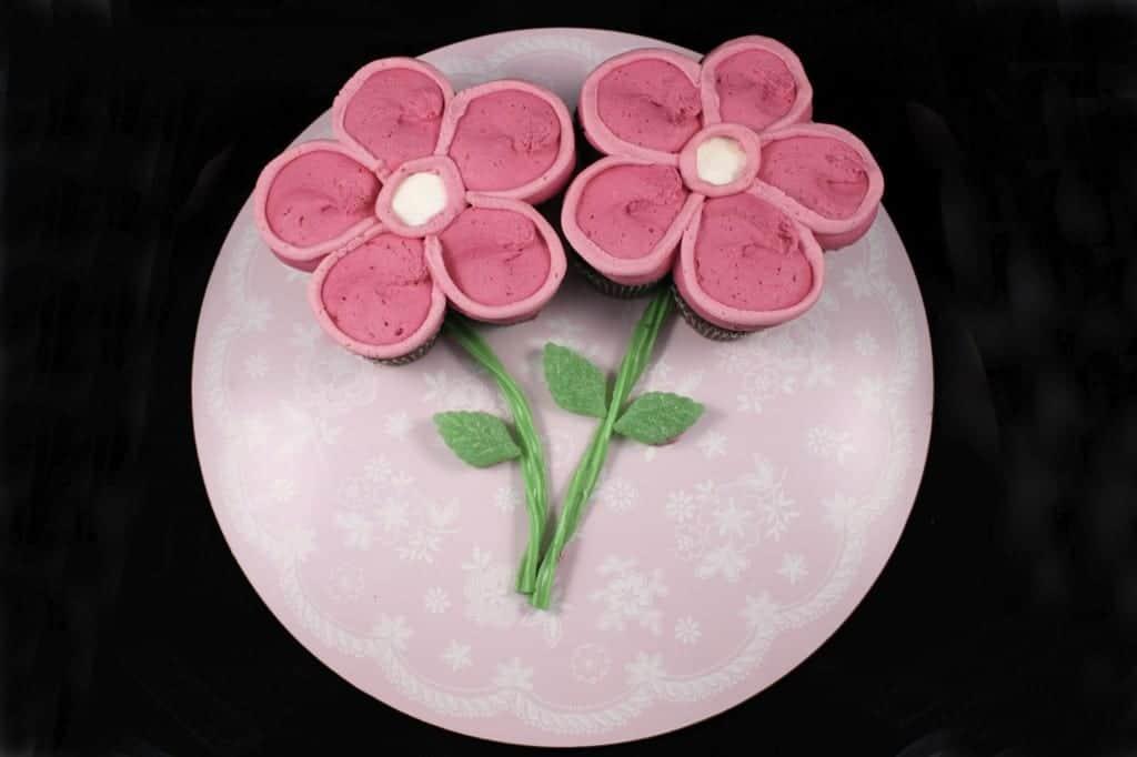 spring flower pull apart cupcake cake
