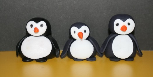 gum paste penguins