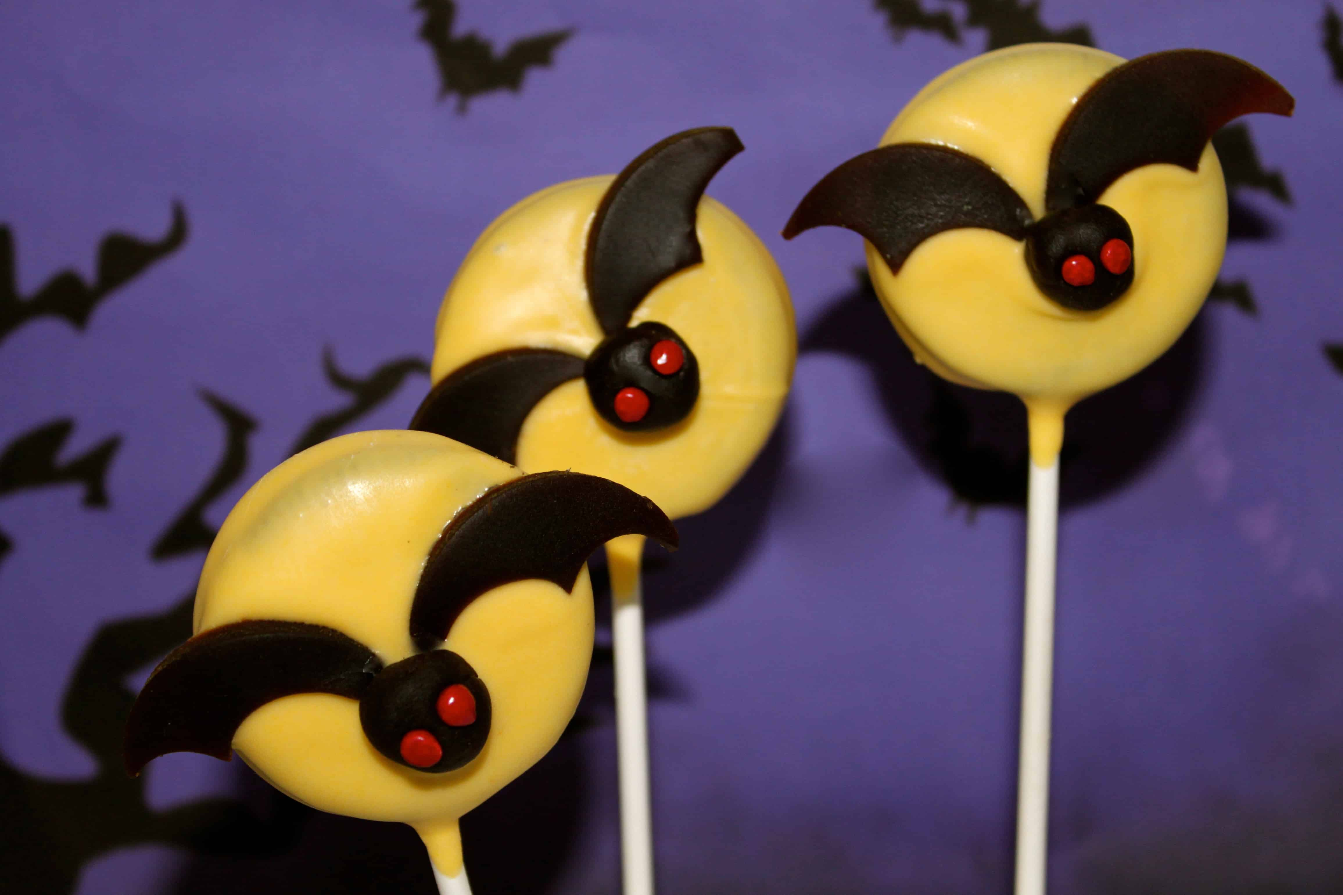 Tutorial: NO BAKE Spooky Halloween Bat Oreo Pops