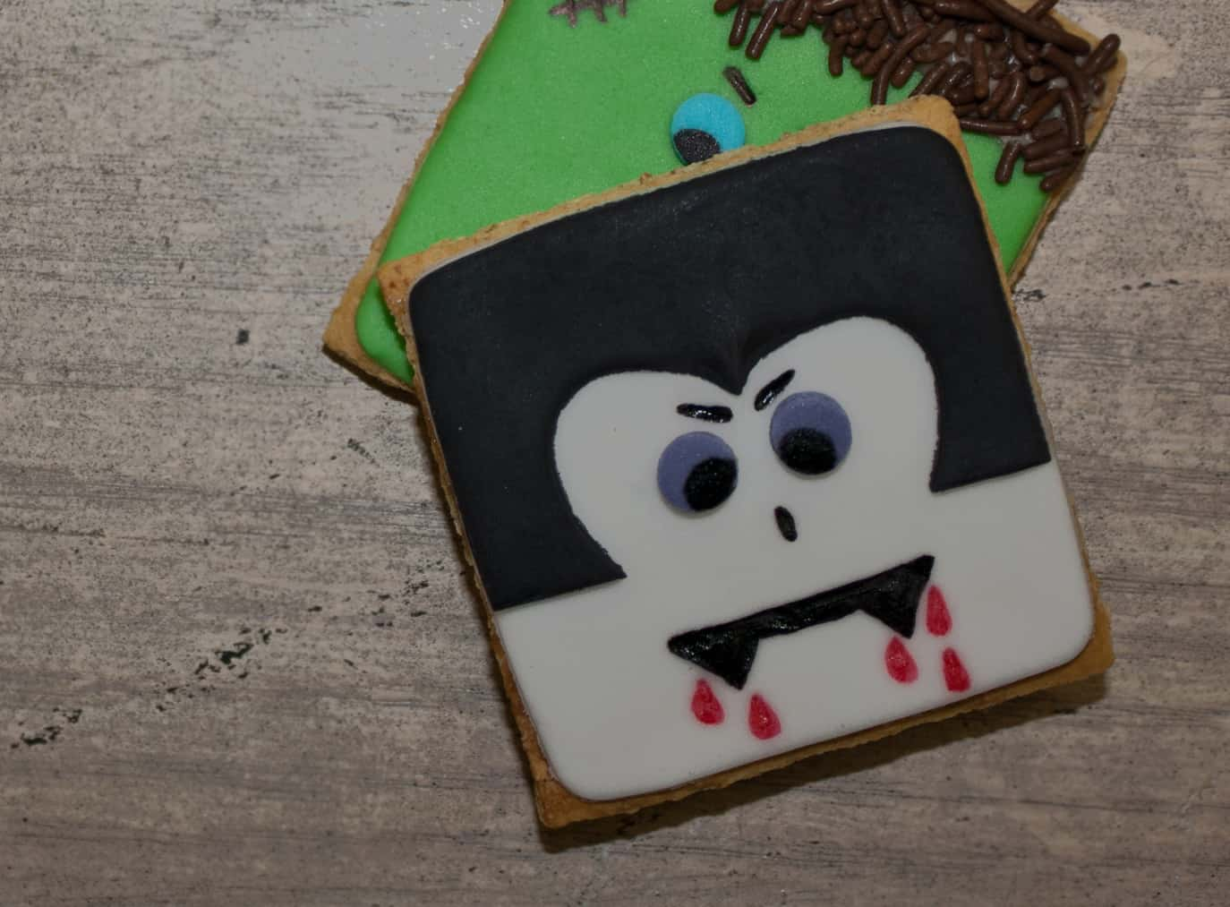 Video: How to make dracula cookies