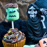 jackolantern and frankenstein marshmallow pops 3
