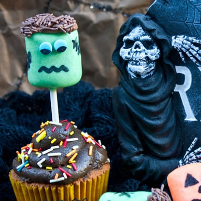 How to make Frankenstein and Jack O'Lantern marshmallow pops
