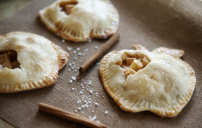 mini_caramel_apple_pie_4