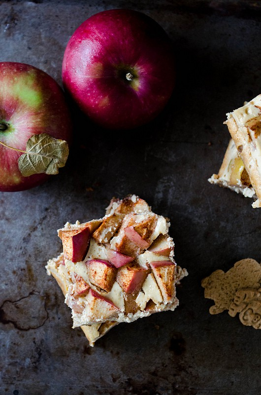 Apple-Yogurt Cheesecake Bars