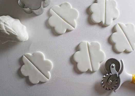How to Make Hot Air Balloon Cupcake Toppers 03